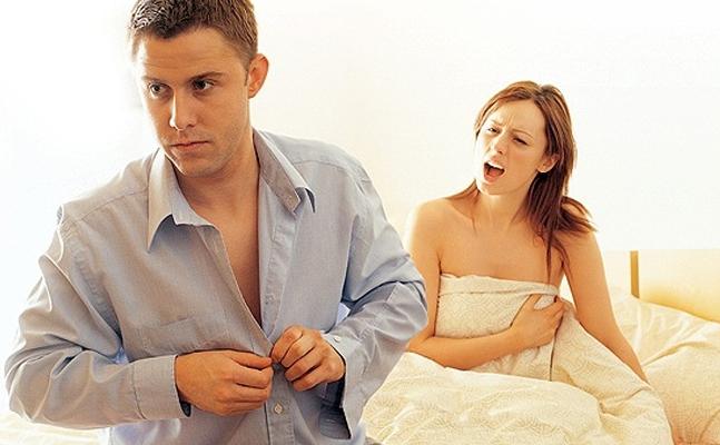 Половой партнер привык кончать на лицо подруги  294758