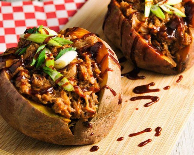 Krāsnī cepti, pildīti kartupeļi ar šķiņķi un sēnēm