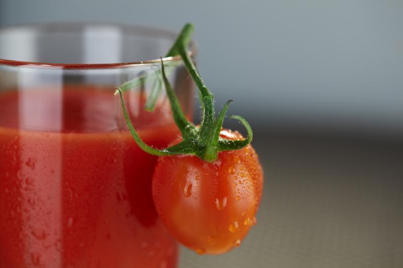 Zinātnieki: tomātu sulai piemīt tādas īpašības, kas noderētu katrai sievietei…
