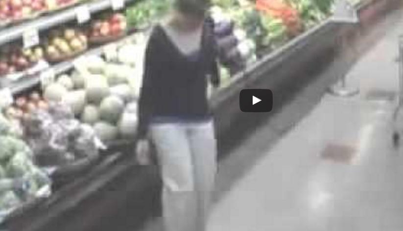Meitene pie letes  bija pārliecināta, ka viņu neviens neredz, bet viņu piefiksēja novērošanas kamera
