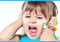 Patiesie iemesli tam, kāpēc bērni mammas klātbūtnē uzvedas par 800% sliktāk