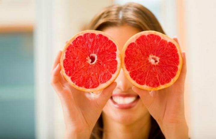 Kad degunā jāpilina greipfrūtu sula? Padomi, kā nesaslimt vīrusu laikā