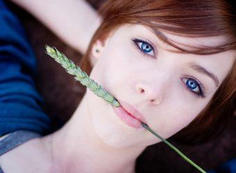 amazing-blue-eyes-girl-wallpaper