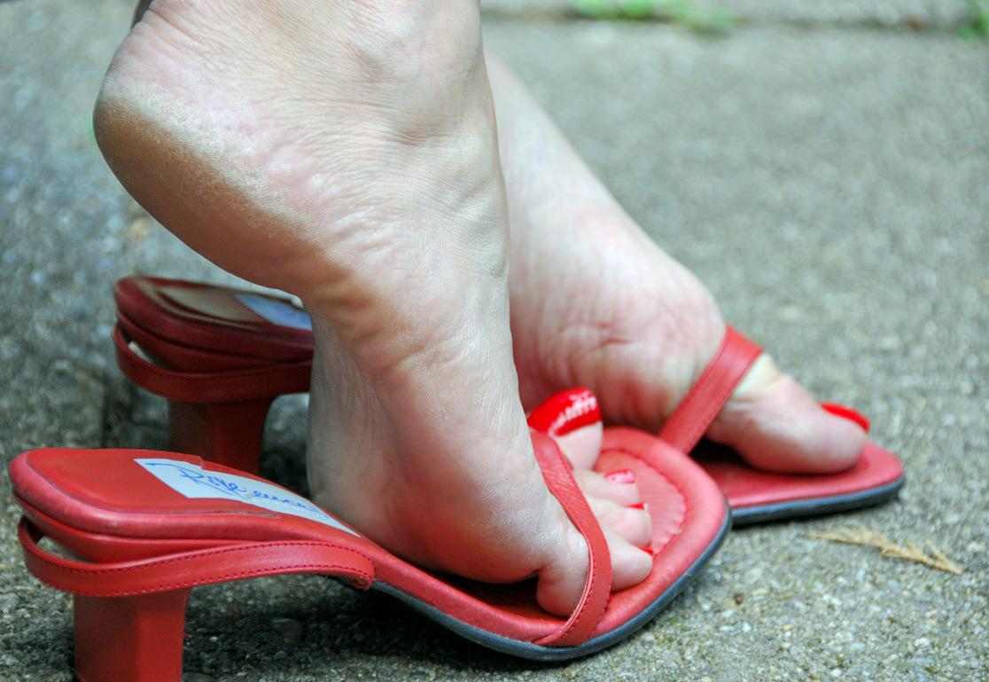 Vai tu ciet no sausiem, saplaisājušiem papēžiem? Pamēģini ŠO un tiec no tā vaļā uz…