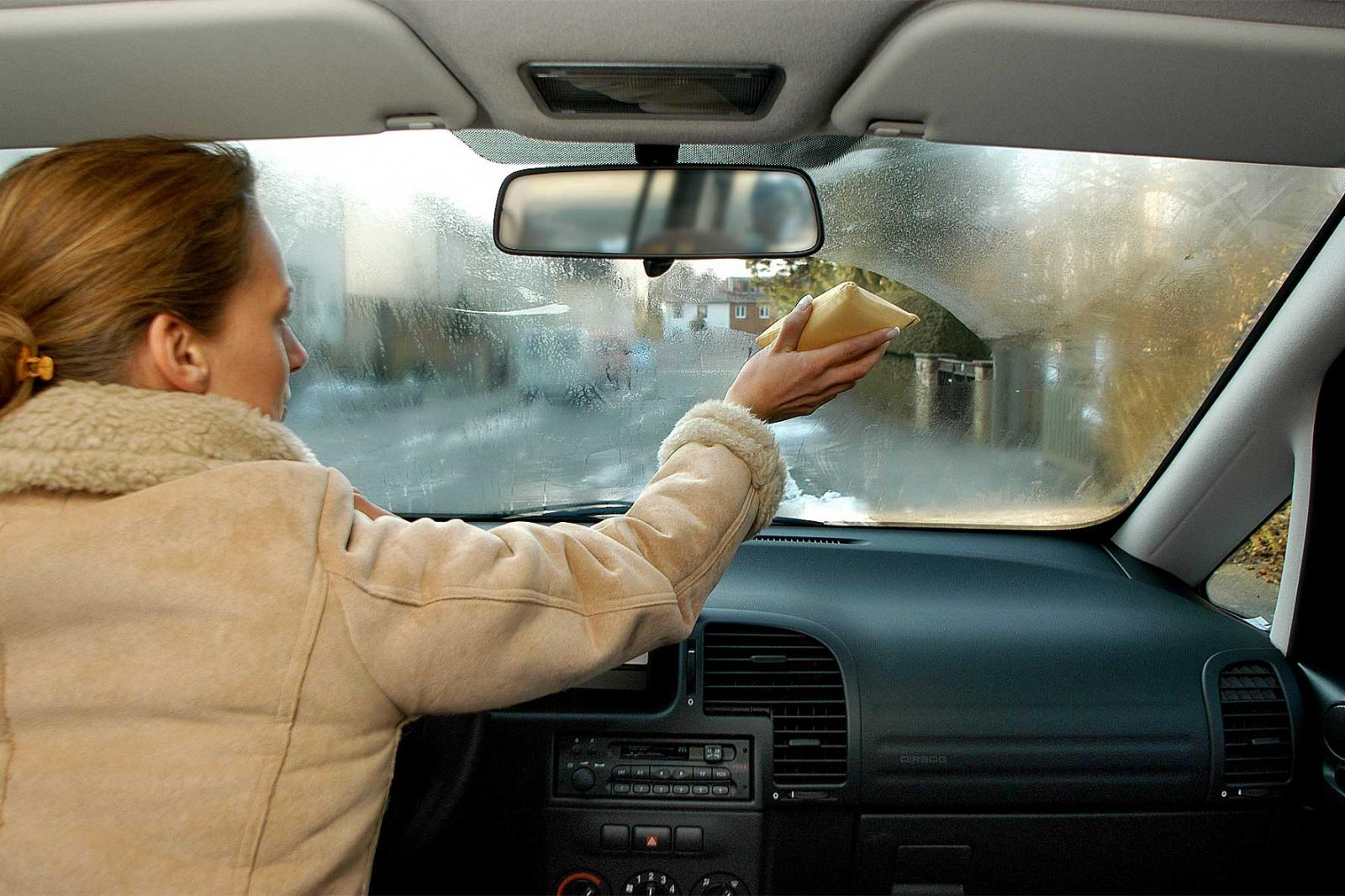 Viņa mašīnas logu paberzēja ar kartupeli. Tādu rezultātu es nevarēju iedomāties!