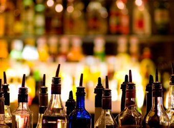 alcohol-bar-bottles