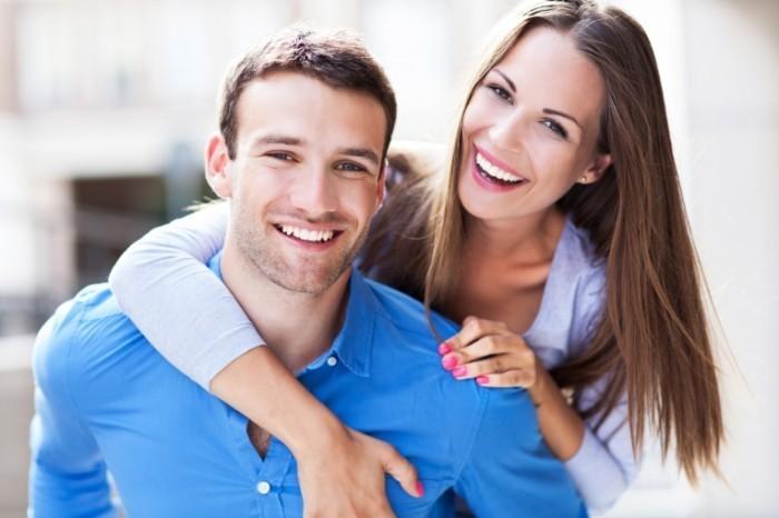 Lūk, kāds vecums vīriešiem un sievietēm tiek uzskatīts par pašu laimīgāko!