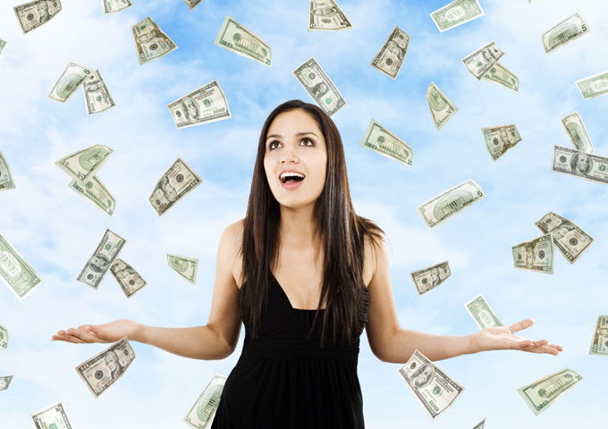 Sieviete un nauda…vai 6 veidi, kā piesaistīt naudu pa sieviešu modei