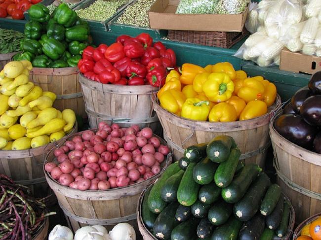 18 ģeniāli knifiņi, kas palīdzēs saglabāt augļus un dārzeņu svaigus