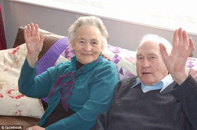Viņi laulībā nodzīvoja 71 gadu un nomira ar 4 minūšu starpību