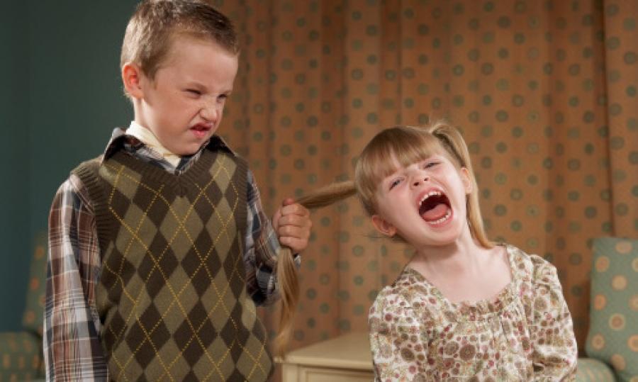 6 bērnu rīcības, kuras nedrīkst ignorēt