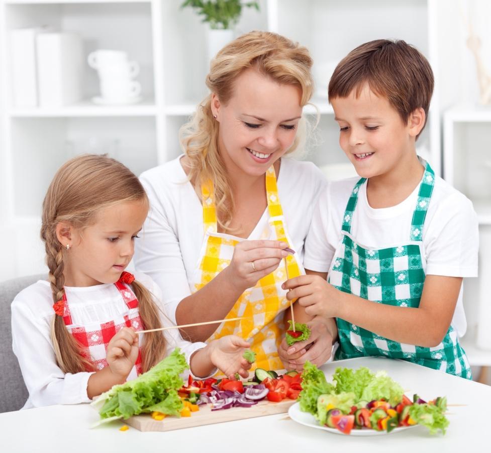 Gribat izaudzināt veselu bērnu? Iemāciet viņam ēst veselīgi!