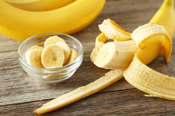 Kāpēc katram būtu jāapēd 2 banāni dienā?