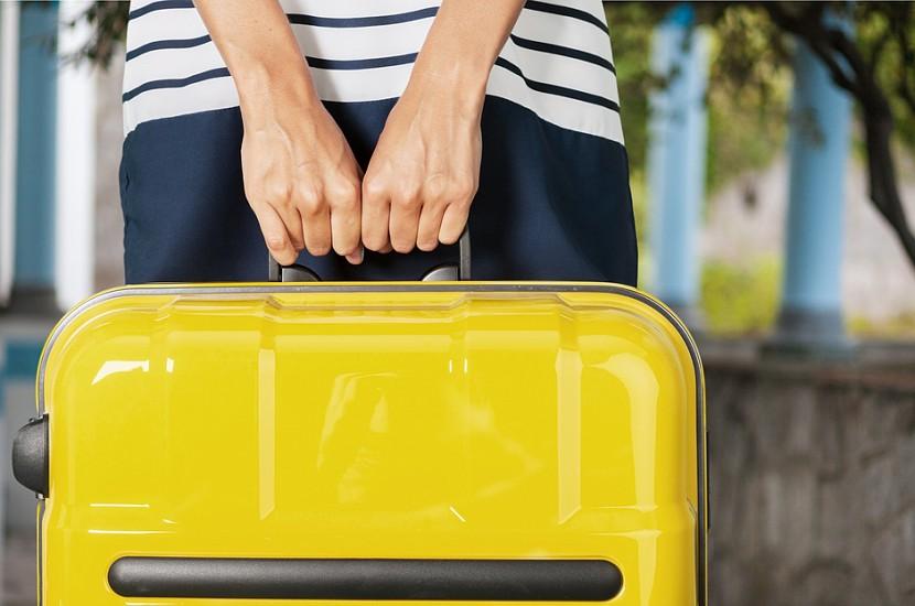 Jaunie noteikumi: ko lidojot drīkst ņemt rokas bagāžā un ko nedrīkst!
