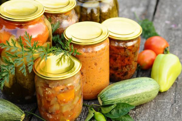 Piecpadsmit visgaršīgāko kabaču salātu receptes ziemai