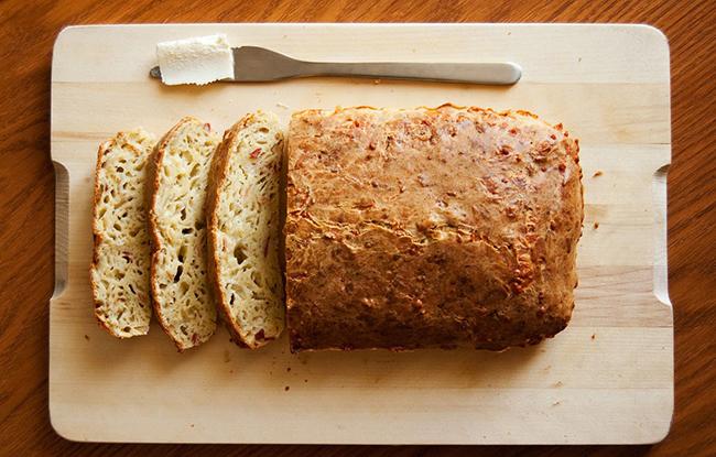 Mājas siera maizes recepte: tev vajag pamēģināt to uzcept!