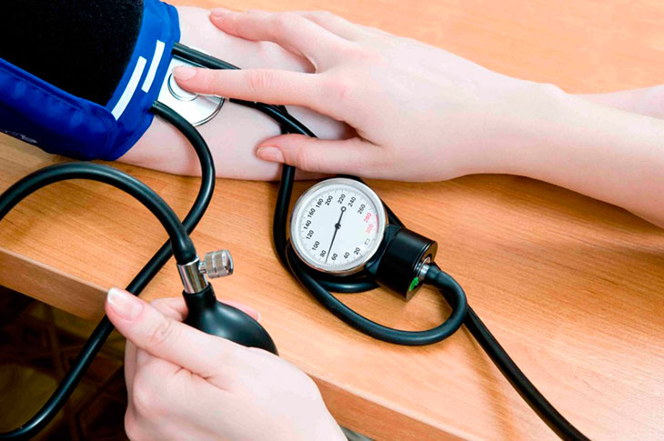 7 dabīgas metodes, kā samazināt asinsspiedienu un novērst insultu