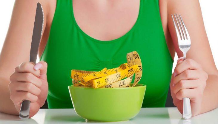 Cik kalorijas ir dienā jāapēd, lai notievētu