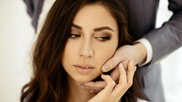 7 pazīmes tam, ka jūsu vīrietis fantazē par citām sievietēm