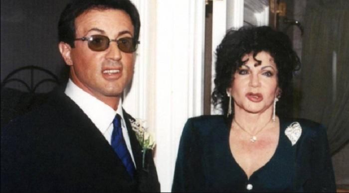 96 – gadīgā Silvestra Stallones māte pārsteidza ar savu izskatu