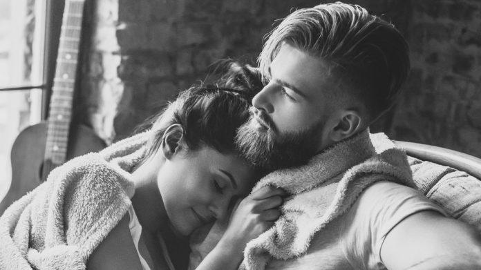 Trīs vārdi, kuri liks vīrietim vēl vairāk tevī iemīlēties…