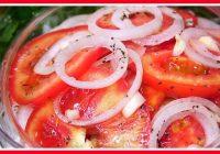 Ļoti labs uzkožamais no tomātiem un sīpoliem: viss noslēpums marinādē