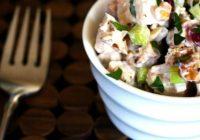 Vairākas sātīgu salātu receptes, kurus var pagatavot 10 minūšu laikā