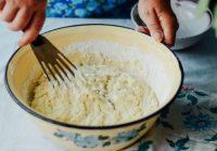 2 olas, 1 citrons, 200 ml kefīra: deserts, kurš nebojā figūru