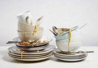 Neizdzerta kafija, netīri trauki un zeķes zem gultas? Psihologi to izskaidro tā… Bardaka mīļiem šis raksts noteikti patiks