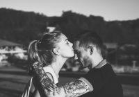Reizēm mūsu dzīves lielā mīlestība atnāk pēc mūsu vislielākās kļūdas. Reizēm mums vienkārši vajag pieļaut dažas kļūdas…