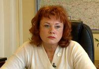 Apbalvo Ilzi Butkus par ieguldījumu izglītības jomā Ventspilī