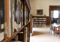 Vāc parakstus, lai sekmētu vidējās izglītības apguvi