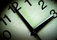 Paskatījāties pulkstenī, bet pulkstenis rāda tieši 14:00? Tas nav vienkārši tāpat! Māņticība katrai dienas stundai