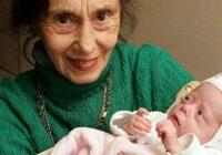 ''Pagājuši 14 gadi'': kā šobrīd izskatās meitene, kura piedzima mammai 66 gadu vecumā